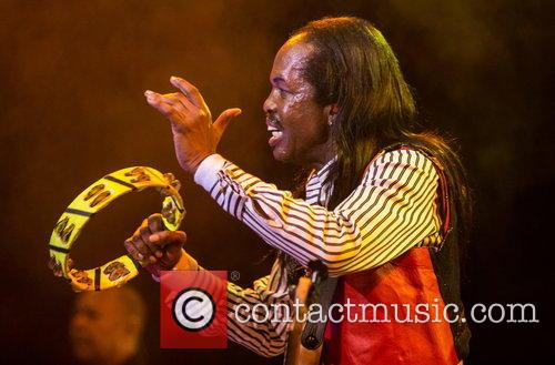 Earth, Wind & Fire perform live