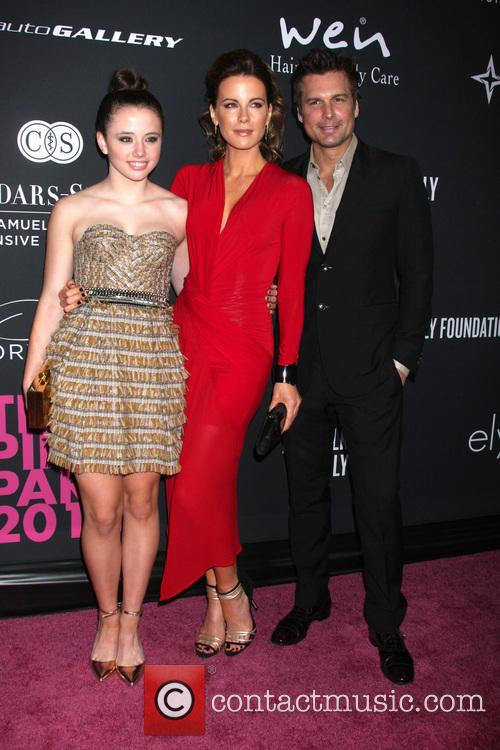 Laeticia Hallyday, Lily Mo Sheen and Len Wiseman 1