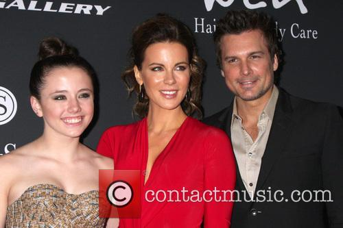 Laeticia Hallyday, Lily Mo Sheen and Len Wiseman 3