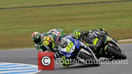 Valentno Rossi Fights Cal Crutchlow and Alvaro Bautista For Thir 9
