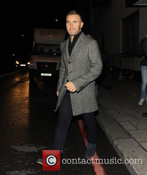 gary barlow x factor judges leave restaurant 3915268