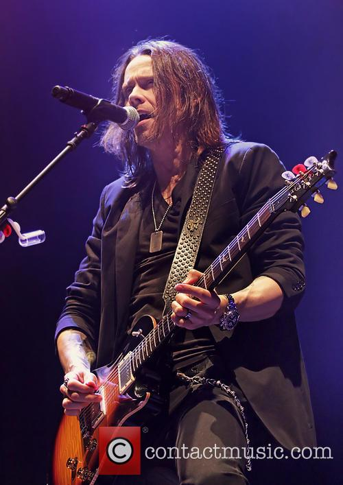 Alter Bridge and Myles Kennedy 10