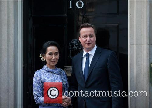 Aung San Suu Kyi and David Cameron 3