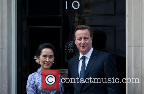 Aung San Suu Kyi and David Cameron 4