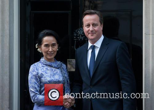 Aung San Suu Kyi and David Cameron 5