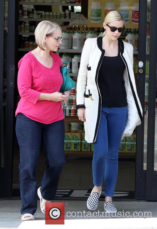 New mother Jaime King leaving Earthbar