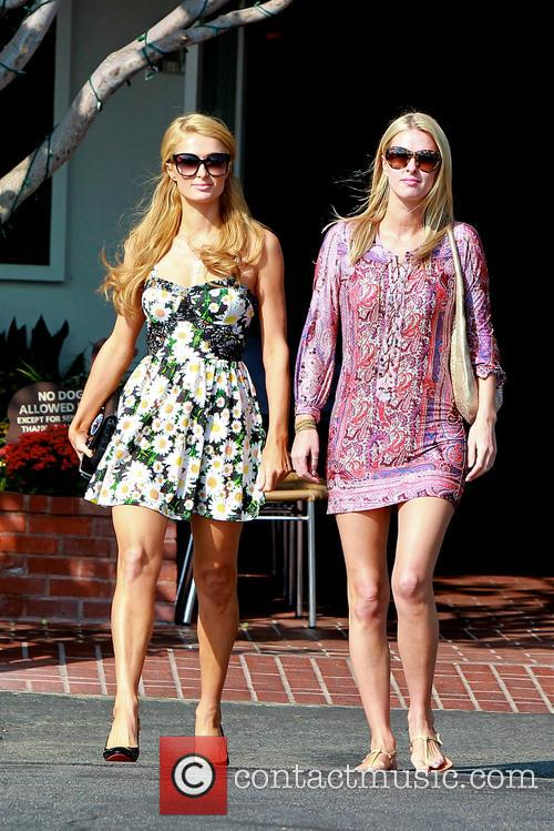 Paris Hilton and Nicky Hilton leave Cafe Mauro