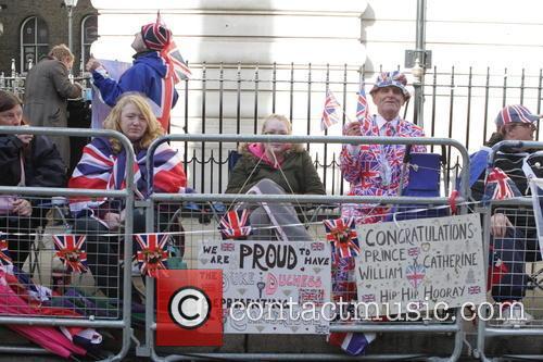 Royal Fans 4
