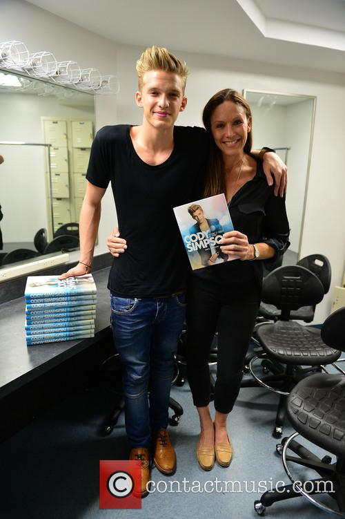 Cody Simpson and and mother Angie Simpson 1