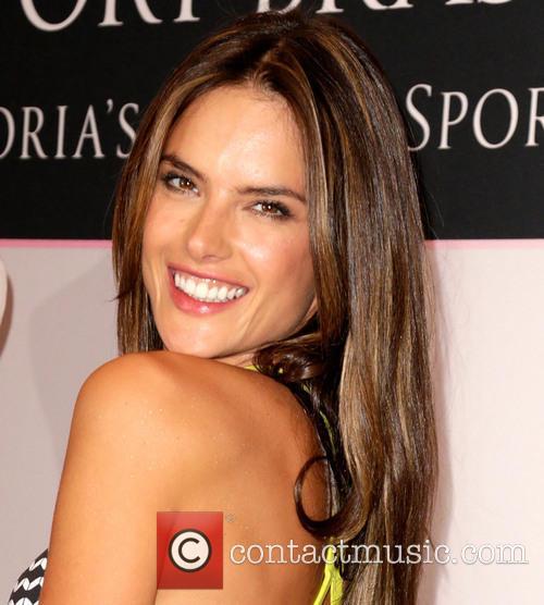 Alessandra Ambrosio 36