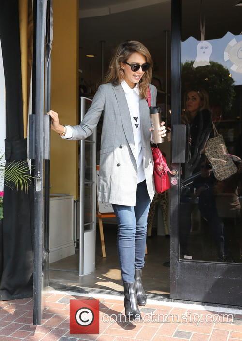 Jessica Alba shopping at 'Bel Bambini'