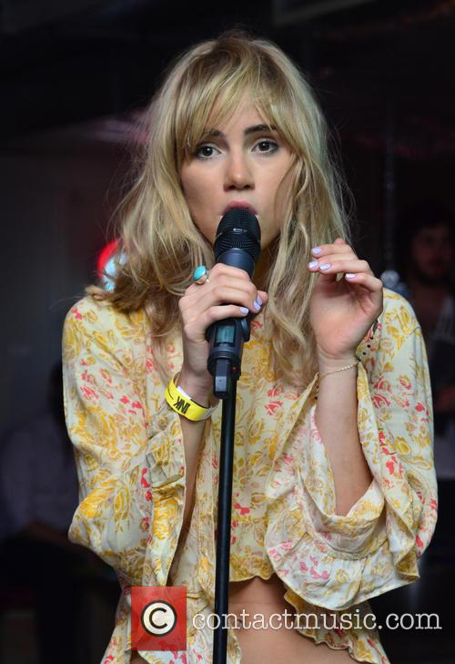 Suki Waterhouse 14