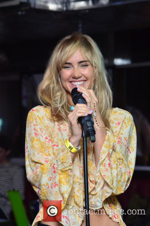 Suki Waterhouse 22