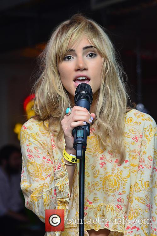 Suki Waterhouse 23