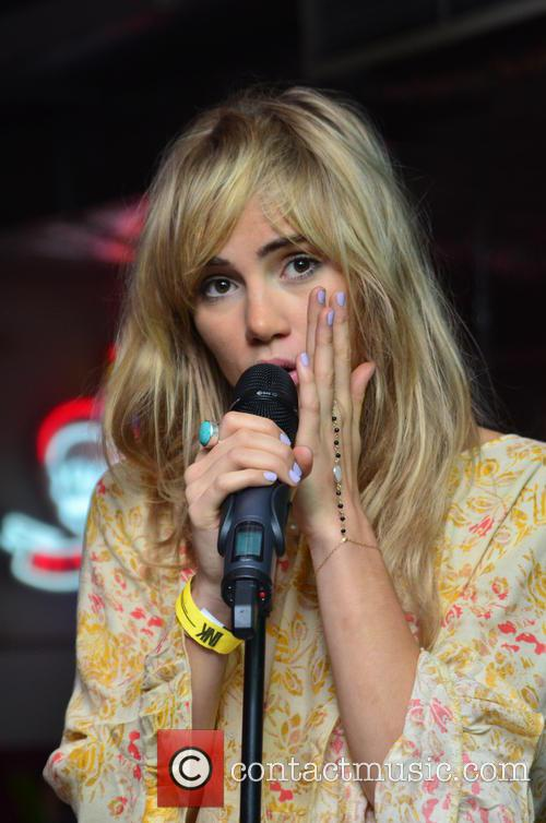 Suki Waterhouse 29