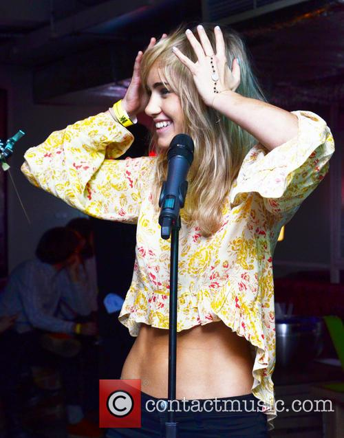 Suki Waterhouse 40