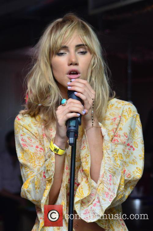 Suki Waterhouse 45