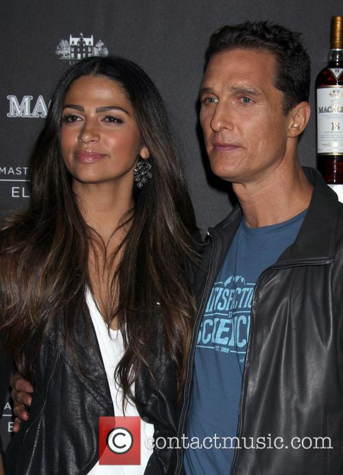 Camila Alves and Matthew Mcconaughey 6