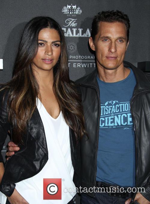 Camila Alves and Matthew McConaughey 8
