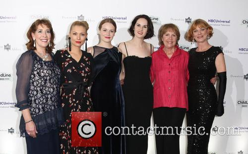 Penelope Wilton, Phyllis Logan, Myanna Burring, Cara Theobold, Michelle Dockery and Samantha Bond 1