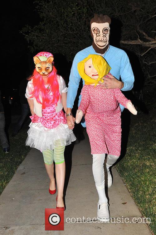 Sasha Barren Cohen and Isla Fisher in costume