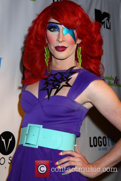 drag queen detox alice in wonderland is 3923329