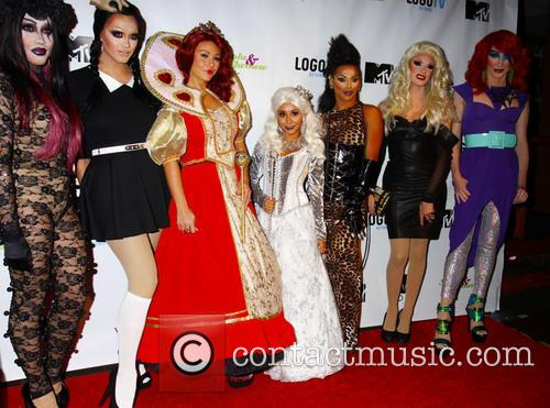 Snooki and And J Woww With Drag Queens 6