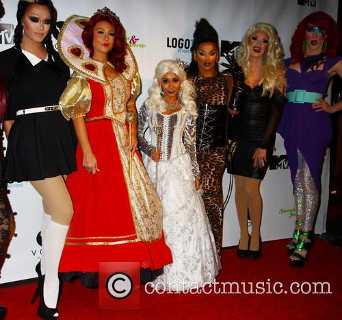 Snooki and J Woww With Drag Queens For Halloween 3