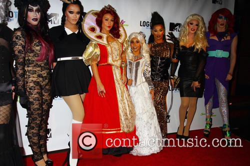 Snooki, Jwow and Drag Queens 8