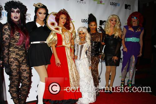Snooki, Jwow and Drag Queens 10