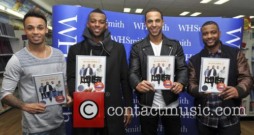 jls jls signing at whsmith 3925006