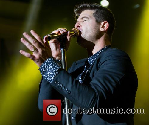 Robin Thicke performs at the Palladium
