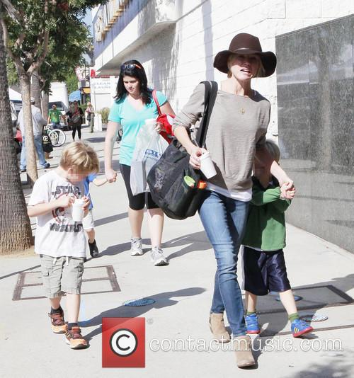 Julie Bowen, John Phillips and Oliver Phillips 13