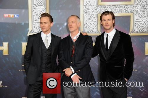Tom Hiddleston, Alan Taylor and Chris Hemsworth 3
