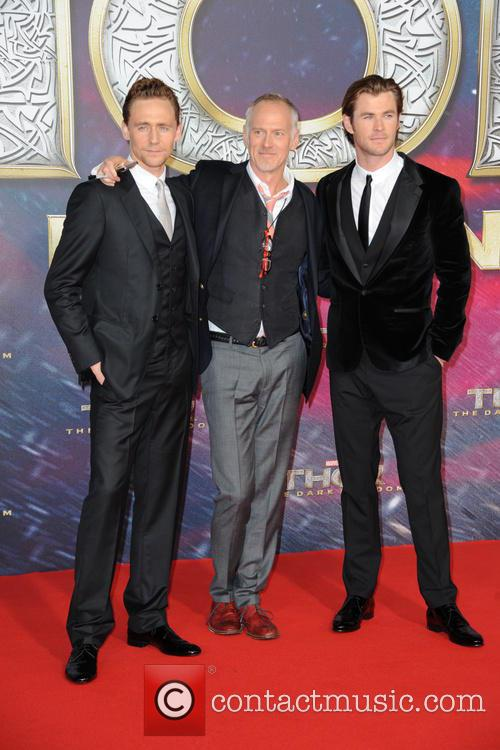 Tom Hiddleston, Alan Taylor and Chris Hemsworth 7