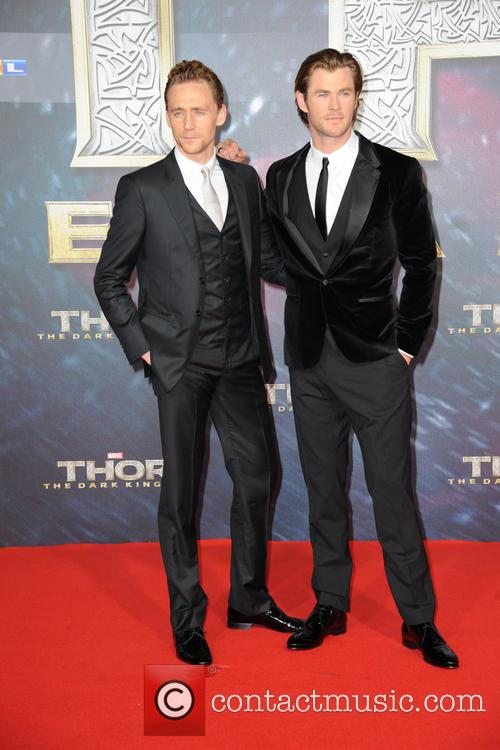Tom Hiddleston and Chris Hemsworth 5