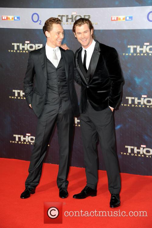 Tom Hiddleston and Chris Hemsworth 9