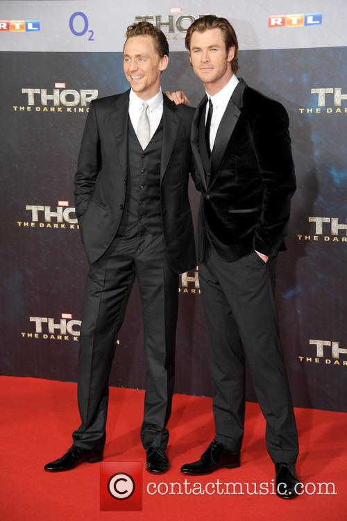 Tom Hiddleston and Chris Hemsworth 11