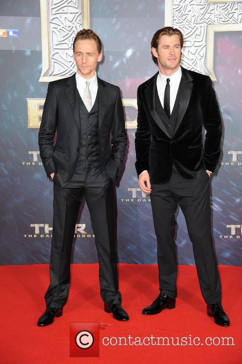 Tom Hiddleston and Chris Hemsworth 1