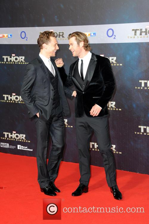 Tom Hiddleston and Chris Hemsworth 13
