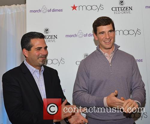 Jeffrey Cohen and Eli Manning 1