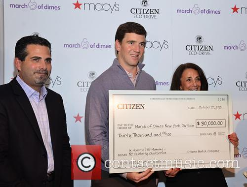 L-r Jeffrey Cohen, Eli Manning and Shelly Siegel 2
