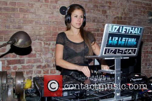 Liz Lethal 3