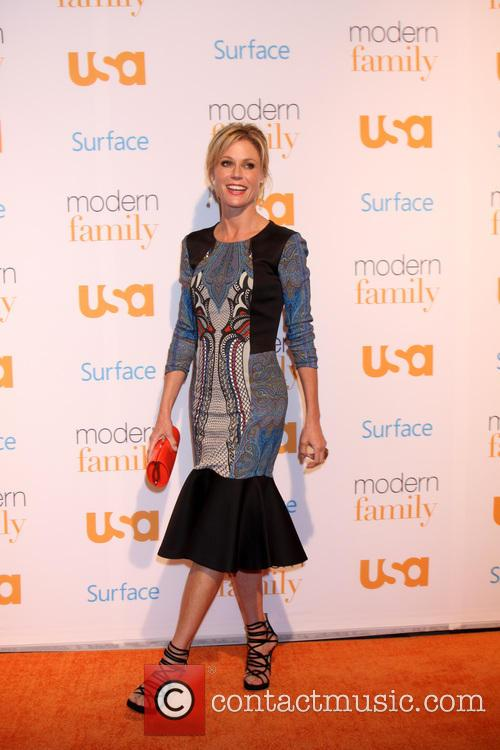 Julie Bowen, Village Theater