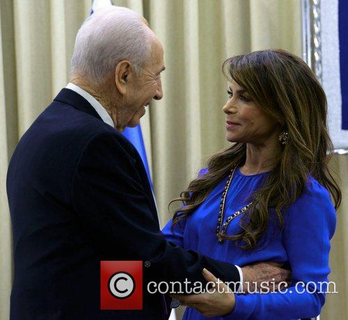 Shimon Peres and Paula Abdul
