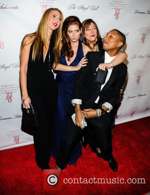 Ofira Sandberg, Debra Messing, Lorraine Schwartz and And Pharrell Williams 4
