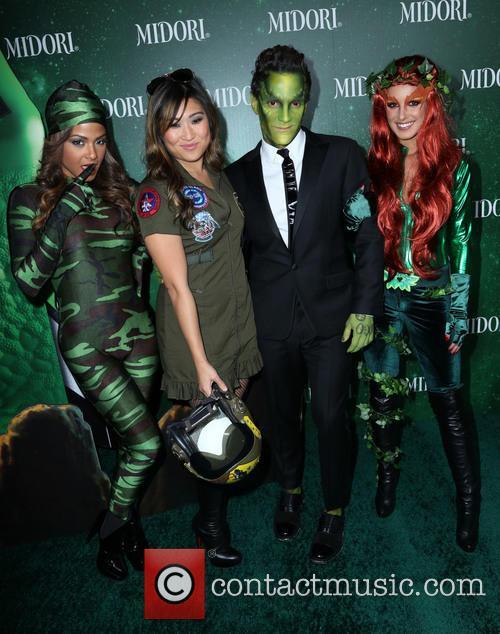 Christina Milian, Jenna Ushkowitz, George Kotsiopoulos and Shenae Grimes 5