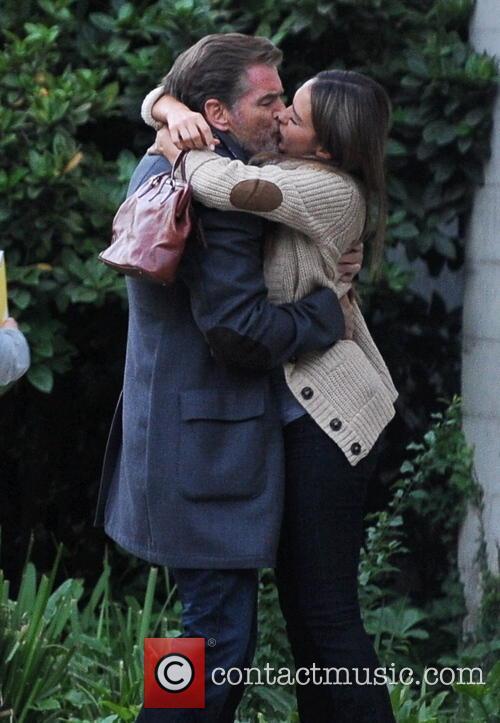 Jessica Alba and Pierce Brosnan 4
