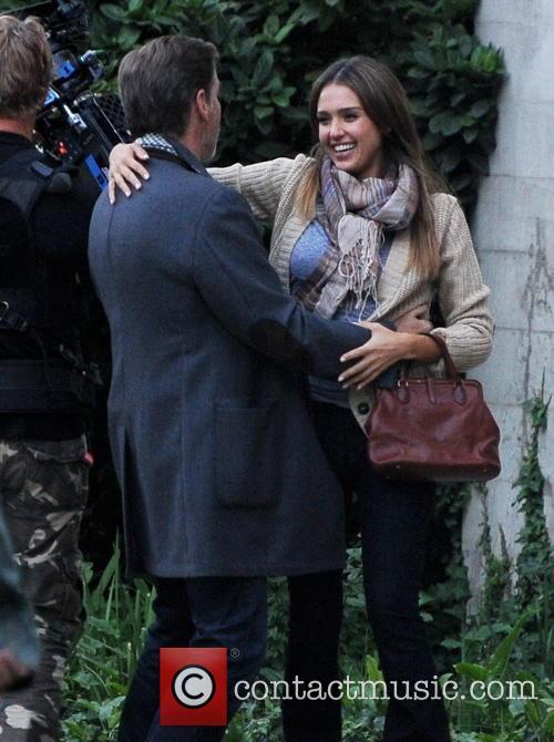 Jessica Alba and Pierce Brosnan 5