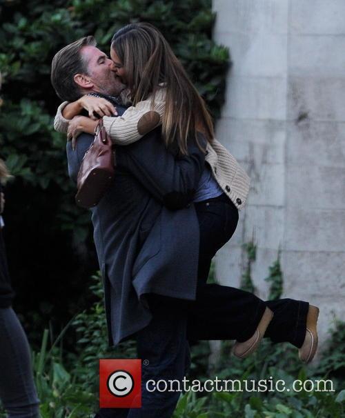 jessica alba pierce brosnan how to make love 3929596